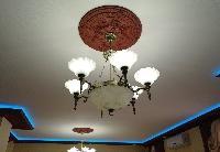 Комфортый и уютный зал Кафе бар Нева приглашает посетителей